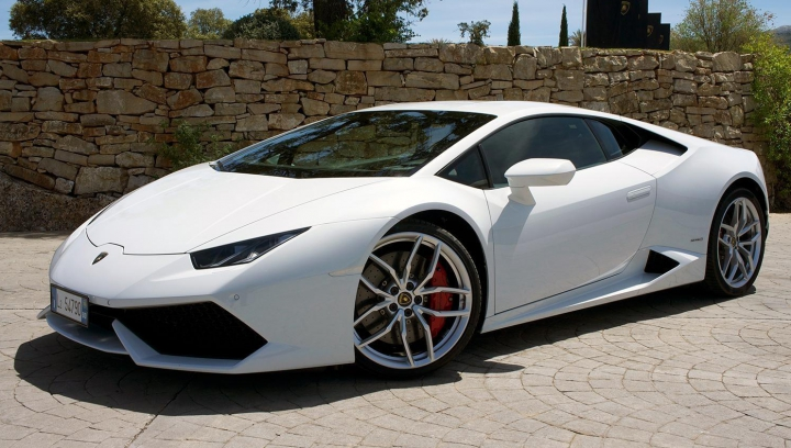 Lamborghini se vinde ca pâinea caldă! Câte mașini au fost comercializate în 2015