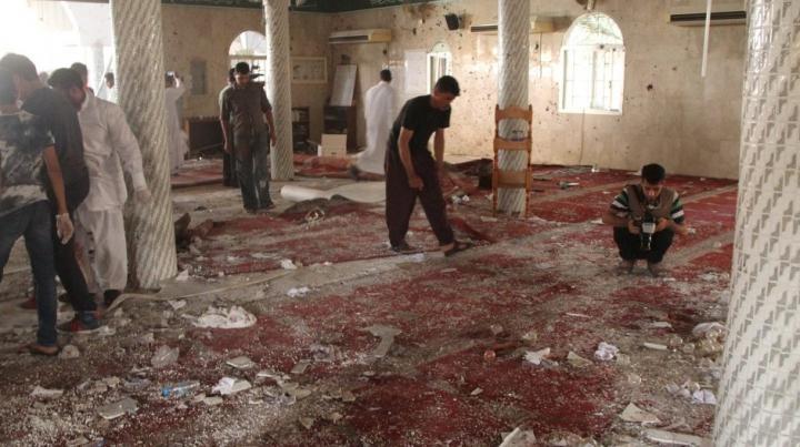 Atac mortal la o moschee din Arabia Saudită. Cel puţin trei oameni au decedat în urma unei explozii