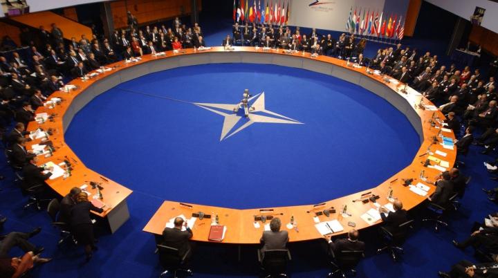 NATO ar putea crea un departament de comunicare pentru contracararea propagandei ruse