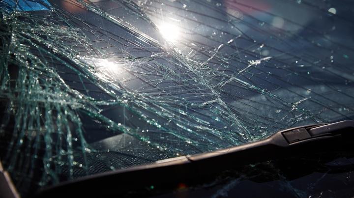 Accident spectaculos la Iaşi. Ce au surprins camerele de supraveghere (VIDEO)