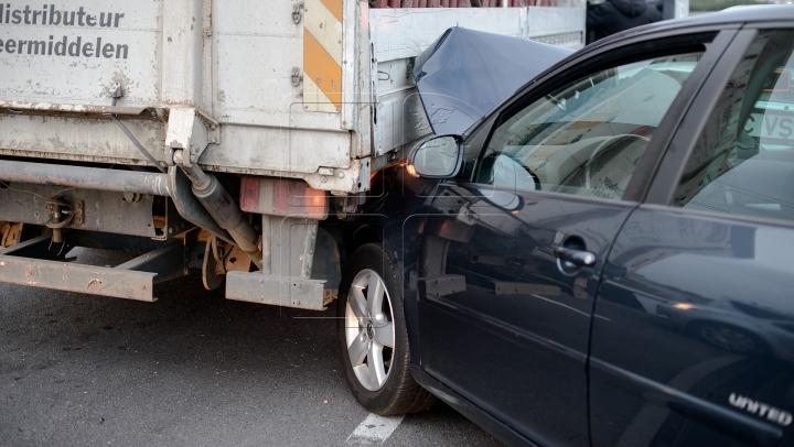 ACCIDENT ÎN LANŢ! Nouă persoane au fost rănite după ce 26 de maşini s-au lovit (FOTO)