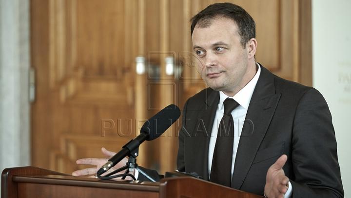 Preşedintele Parlamentului Andrian Candu INVITĂ liderii demonstranţilor la discuţii