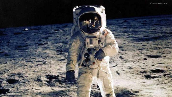 Selfie-ul care face furori pe Internet! Un astronaut s-a fotografiat în spaţiu (FOTO)