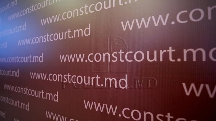 (UPDATE) Ion Sturza regretă că a supărat Curtea Constituţională