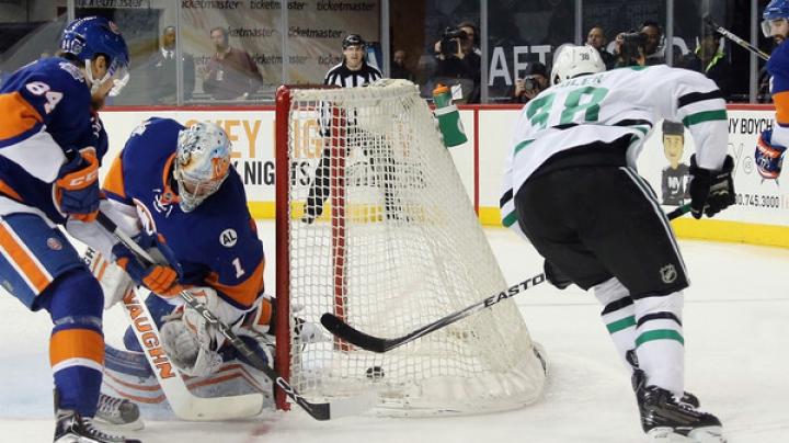 Festival de goluri în NHL. New York Islanders şi Dallas Stars s-au bombardat cu pucuri