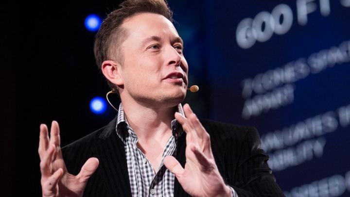 Elon Musk vrea să ducă oameni pe Marte înaintea NASA