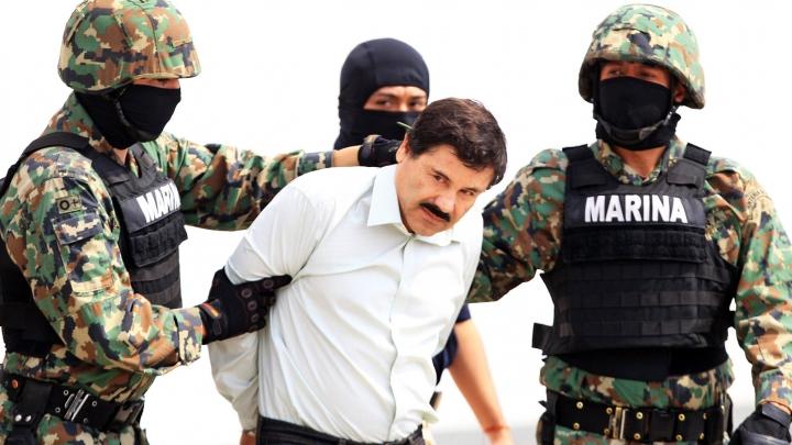 """NO COMMENT: Imagini din timpul reținerii traficantului de droguri Joaquin """"El Chapo"""" Guzman (VIDEO)"""