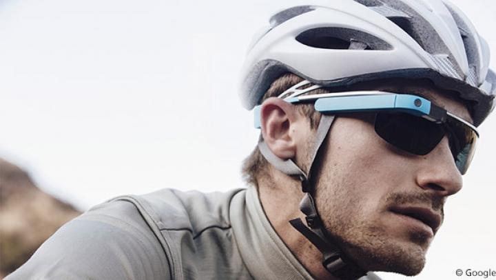 Veste bună pentru cicliștii pasionați de tehnologie. Noii ochelari Varia Vision