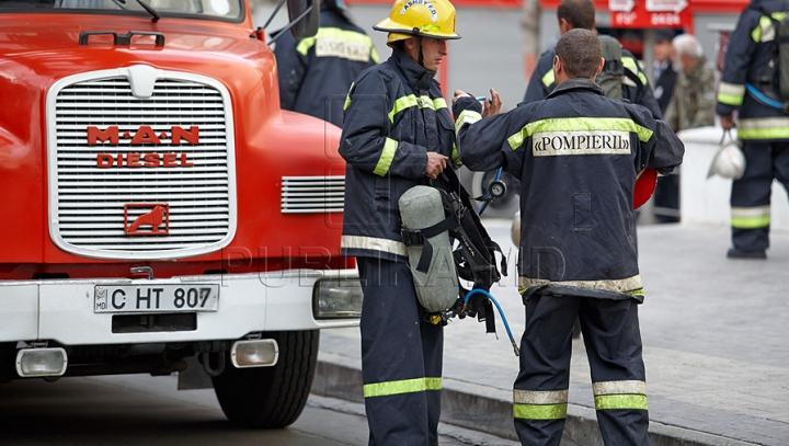 BILANŢUL SALVATORILOR: Un bărbat a ars în propria locuinţă, iar o femeie s-a întoxicat