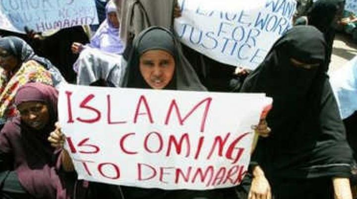 O fată de 15 ani, bănuită că ar ajuta terorişti. Suspecta a fost reţinută