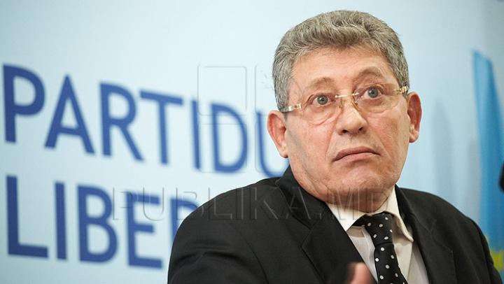 AVERTISMENTUL lui Ghimpu pentru Sturza în ajunul votării noului Guvern în Parlament