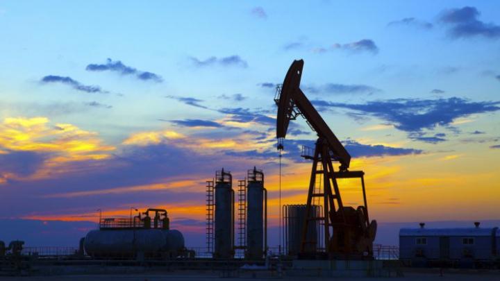 Prețul petrolului s-a prăbușit din nou! Un nou minim al ultimilor 11 ani