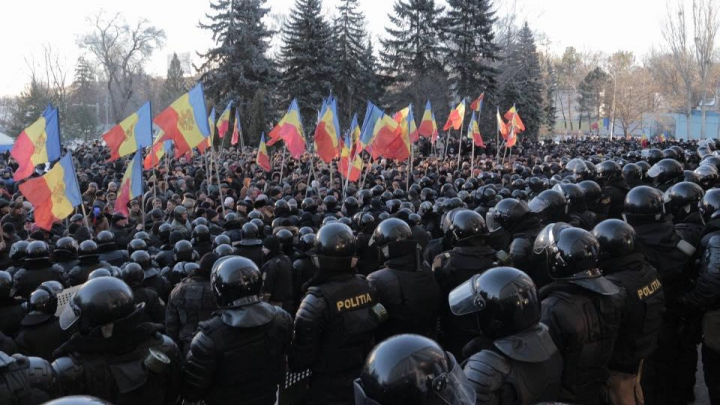 CINE SUNT PROTESTATARII VIOLENȚI care au devastat Parlamentul în seara de 20 ianuarie