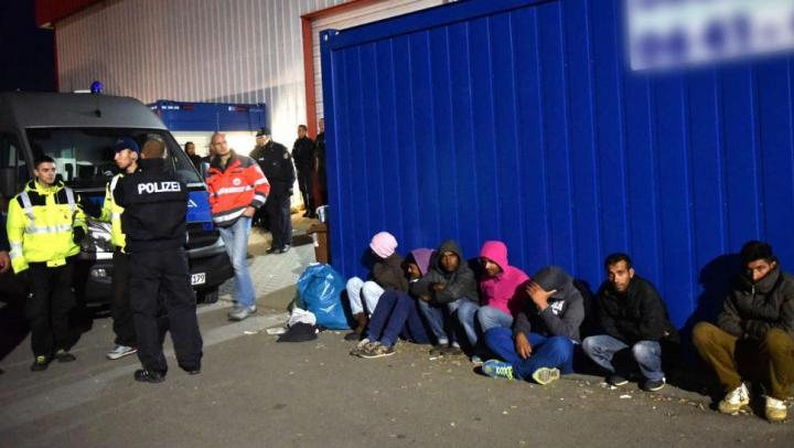 Bătaie într-o tabără de refugiați din Germania. Mai multe persoane au fost rănite