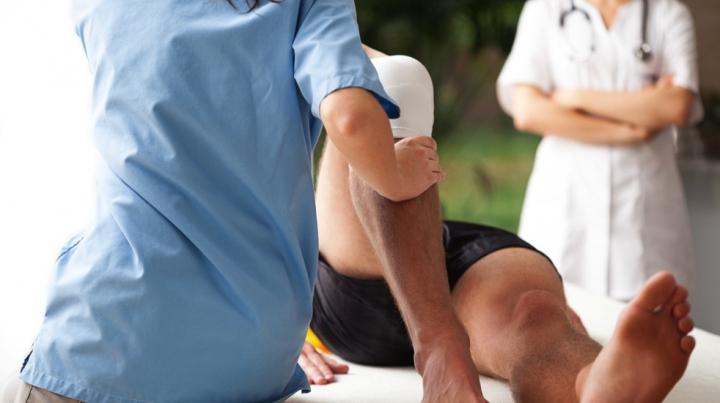 Cum ai putea salva viaţa unei persoane care suferă un accident vascular cerebral