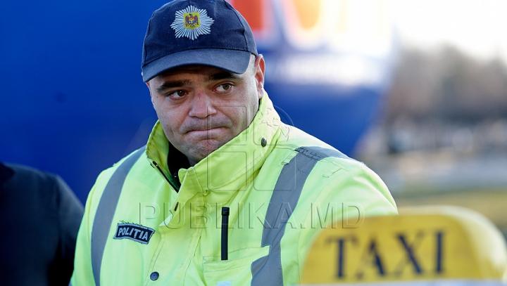 Şoferi de taxi, prinşi cu mâţa-n sac. Poliţiştii le-au deconspirat ilegalităţile în cadrul unei operaţiuni