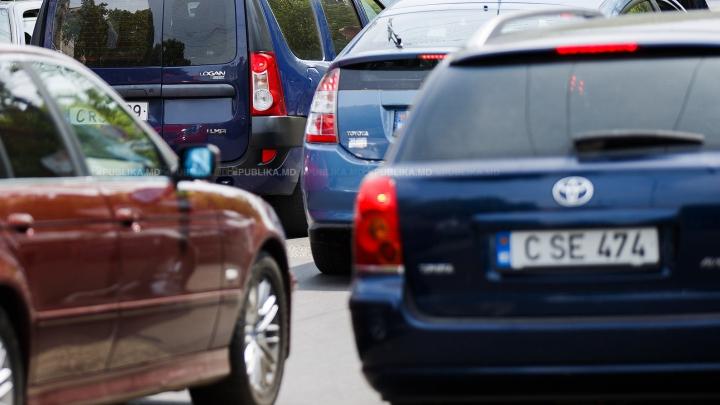 COZI URIAȘE LA IEŞIREA DIN ŢARĂ. Moldovenii merg să îşi petreacă vacanţa în România