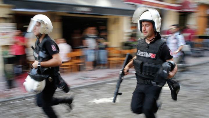 Poliţiştii turci au ucis 12 luptători kurzi, pe fundalul unei situaţii inter-etnice tensionate
