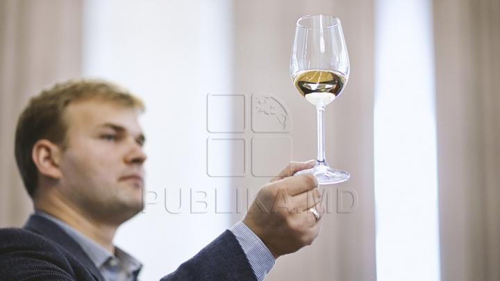 Revista Forbes recomandă ca în anul 2016 să fie degustate două vinuri moldoveneşti în întreaga lume