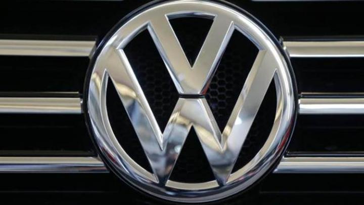 Volkswagen recheamă în service toate maşinile electrice e-Golf vândute în Statele Unite