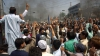 PUBLIKA WORLD: Ciocniri violente între protestatari și polițiști, soldate cu un mort și răniți, în Pakistan