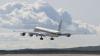 Emoții la bordul unui avion! Aeronava a fost luată de vânt în timp ce ateriza (VIDEO)