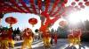 Culoare, dansuri, muzică și numere de acrobație. Chinezii din Los Angeles intră în sărbători (VIDEO)
