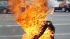 Poliţia, în alertă! Un bărbat și-a dat foc în fața Palatului Kensington al prințului William