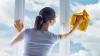 Cu ce poţi spăla geamurile dacă nu ai detergent special? Trucul ieftin pe care puţini îl ştiu