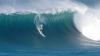 NO COMMENT: Un surfer profesionist a fost luat de un VAL URIAŞ! Tânărul s-a accidentat grav