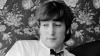 Febra The Beatles continuă! O șuviță din părul lui Lennon, vândută pentru o sumă record de bani