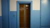 Descoperire macabră într-un lift! Pompierii au rămas ÎNGROZIŢI când au deschis uşile