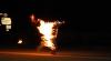 Momente terifiante! Un bărbat și-a dat foc în fața locuinței ducilor de Cambridge