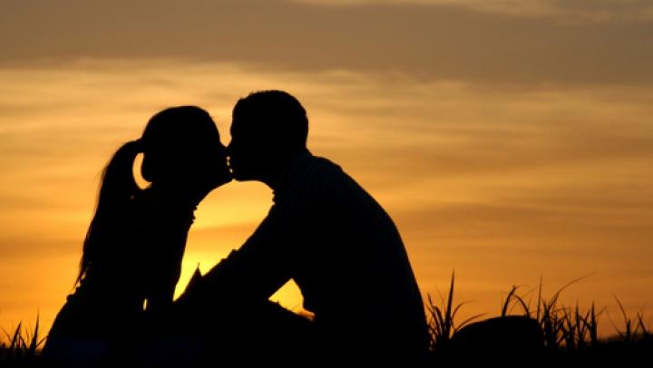 Săptămâna Valentine's Day: Melodii celebre care topesc inimile îndrăgostiţilor (VIDEO)