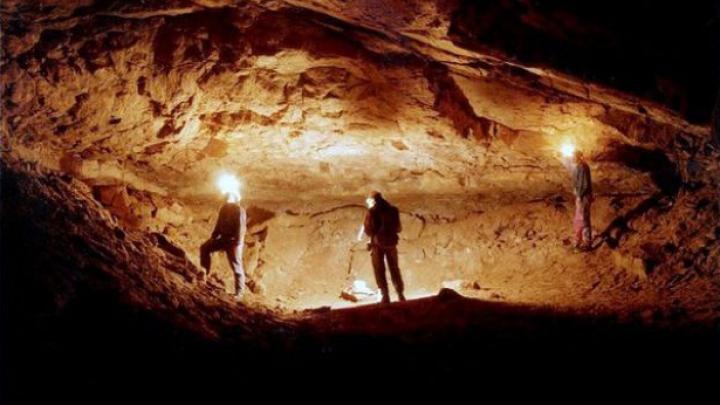 Speologi spanioli blocați într-o peșteră din Franța, SALVAȚI după 22 de ore