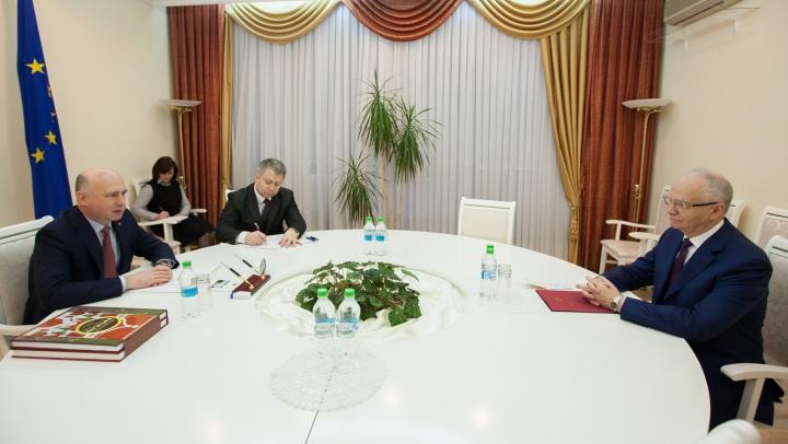 Pavel Filip a avut o întrevedere cu ambasadorul Federației Ruse în Moldova, Farit Muhametșin