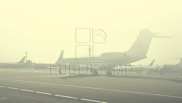 ALERTĂ CU BOMBĂ într-un avion. Pasagerii aflaţi la bord au fost evacuaţi de urgenţă