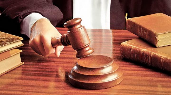 Un avocat din Capitală, reţinut pentru trafic de influenţă