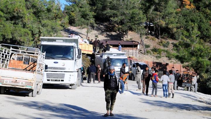 Siria: Raidurile aeriene ruse îi fugăresc din case pe etnicii turci și arabi din Yamadi