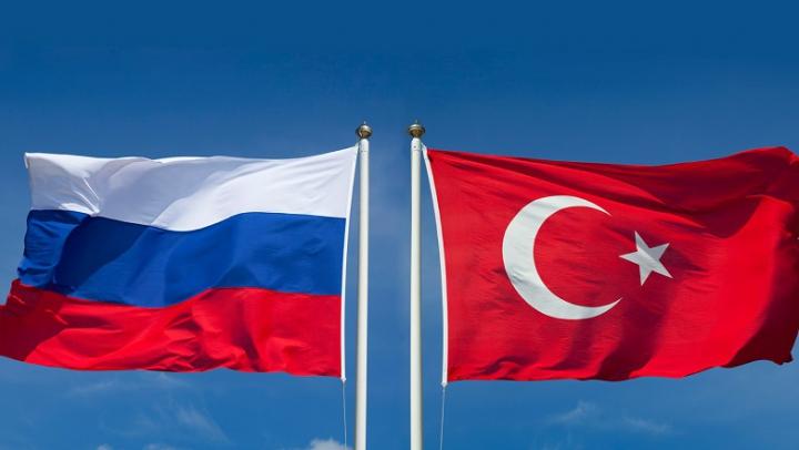 Hollande avertizează că există un risc de război între Turcia și Rusia
