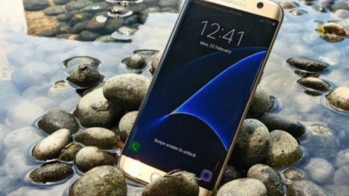 De ce să investeşti banii într-un Galaxy S7 şi nu într-un iPhone? IATĂ RĂSPUNSUL