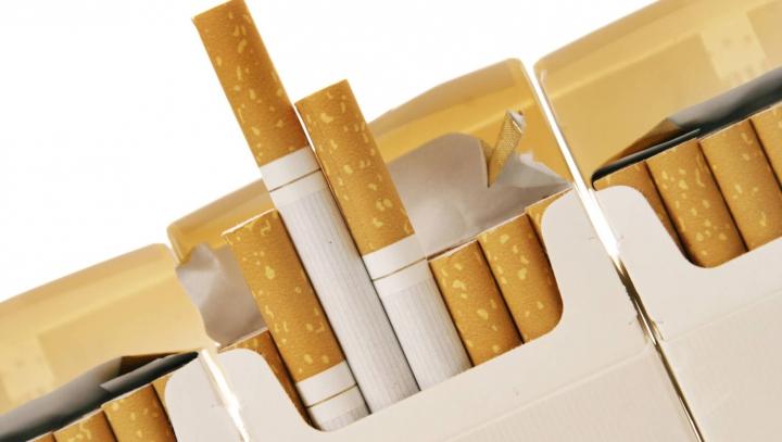 CONTRABANDĂ cu ţigări moldoveneşti. Un vehicul a fost tras pe dreapta şi verificat minuţios