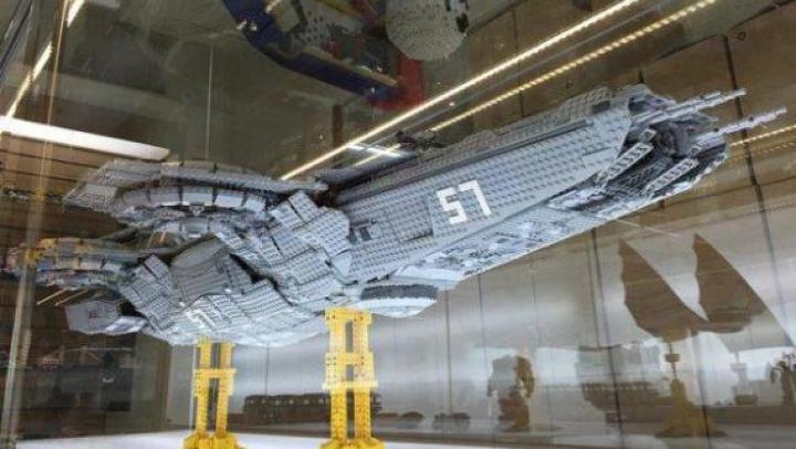 Un taiwanez a construit nava Helicarrier din ''The Avengers'' din aproximativ 15.000 de piese Lego