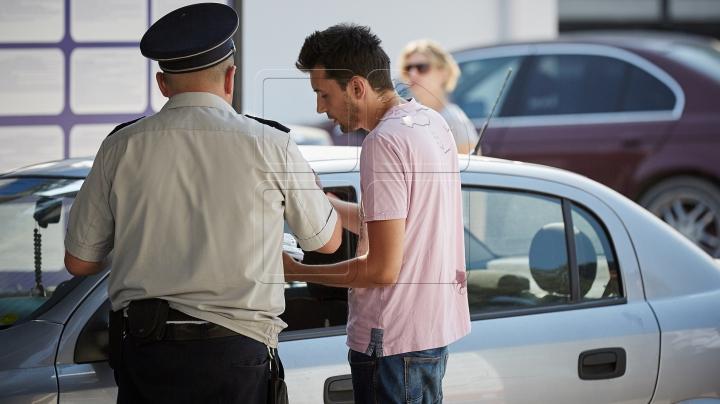 Riscă închisoare. Un moldovean, documentat pentru introducerea narcoticelor din Italia (FOTO)