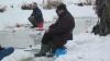 Panică pe un lac din Rusia! Gheaţa s-a spart în timp ce sute de oameni pescuiau la copcă (VIDEO)
