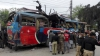 ATAC CU BOMBĂ în Pakistan! Explozia unui autobuz s-a soldat cu moartea a 16 persoane