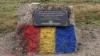 Monumentul în memoria ostaşilor sovietici din Bender, vopsit în culorile tricolorului