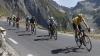 Un biciclist se află în stare gravă după ce a suferit o căzătură în timpul cursei Paris-Roubaix