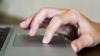 """Proiectul """"Bunica on-line"""". Pensionarii din Moldova vor învăța ce înseamnă wi-fi, selfie sau tabletă"""