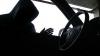 Chiar în centrul Chişinăului! O mașină a Delegației Uniunii Europene, spartă de un hoț (VIDEO)